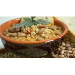 Zuppa di fagioli e germogli di aglio