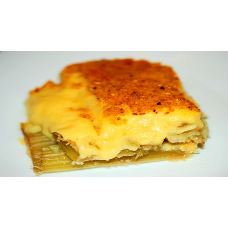 Cuts of Cardo Mariano with Bechamel